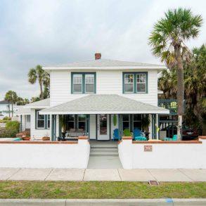 Beach House plus Two 1/1 Efficiencies