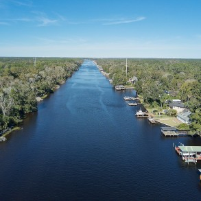 112 Front Feet on the Intracoastal