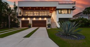 Contemporary Jewel of the Beaches